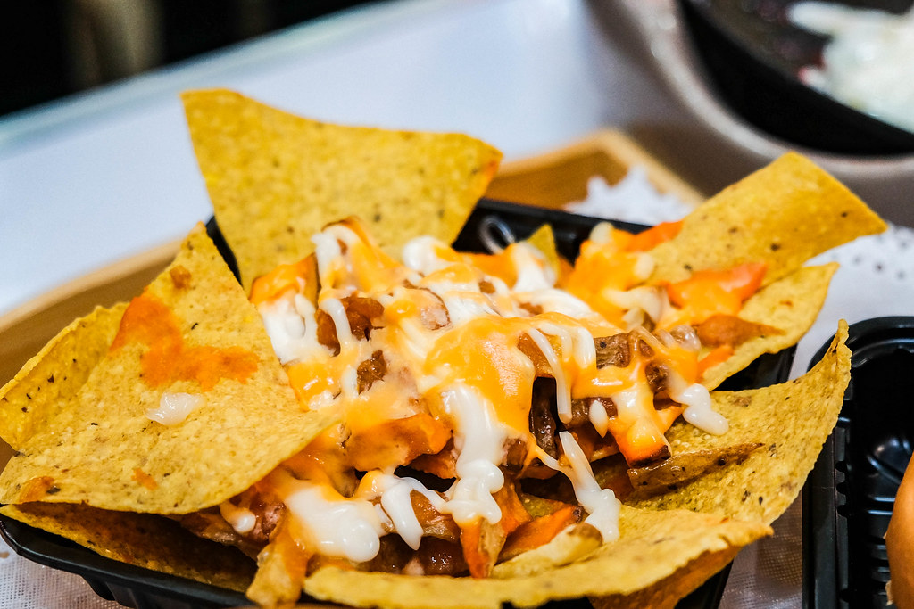 protein in nachos - beef and cheese